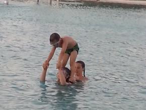 Baden im Pool ist auch cool!